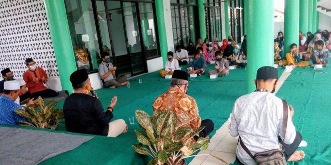 Peringati 10 Muharrom, Alumni SMP Islam HSM Santuni Anak Yatim